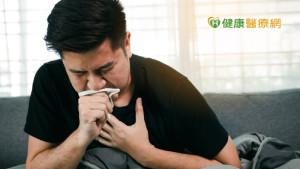 老菸槍發燒咳喘急送醫 小心是慢性阻塞性肺炎