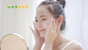 炎炎夏日嘴唇也需要防曬? 皮膚科醫師警告「危險下場」