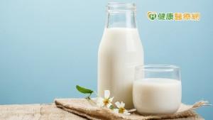 養肌防老1、2、3  1日2杯奶、3餐優蛋白