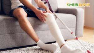 後十字韌帶斷裂要開刀嗎? 「微創關節鏡+智慧膝關節支架」居家復健