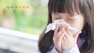 過敏兒控制差發癢揉眼睛搓鼻子 新冠肺炎染疫機會增!
